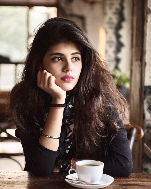 Sanjana Sanghi img