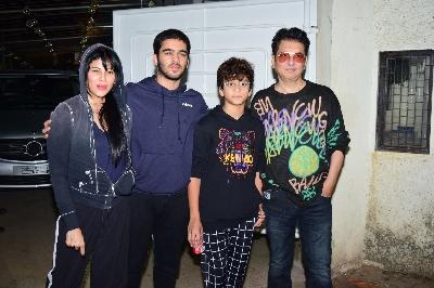 Sajid Nadiadwala with his wife Warda Khan Nadiadwala and Subhan , Sufyan
