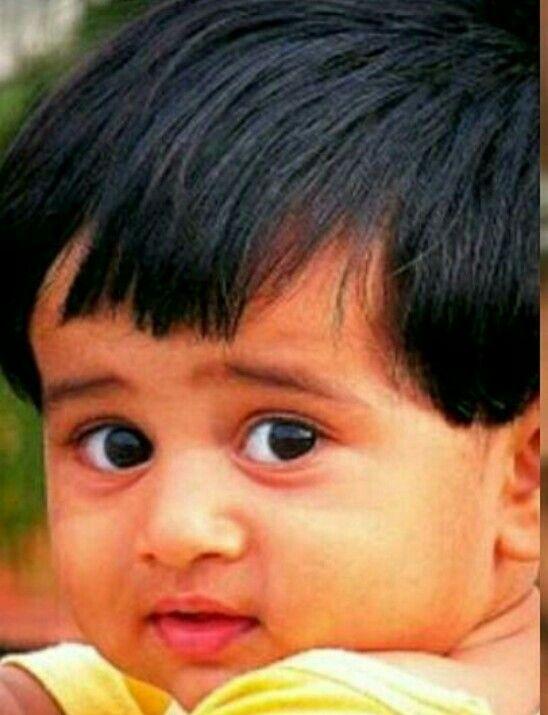 varun-dhawan childhood image