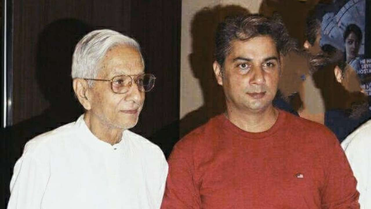 Father :-Vishwa Mohan Badola (Actor and Journalist)