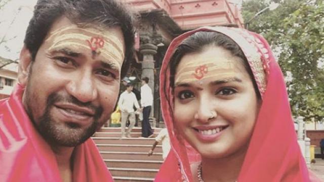 Dinesh Lal Yadav Wife :-Mansha Devi