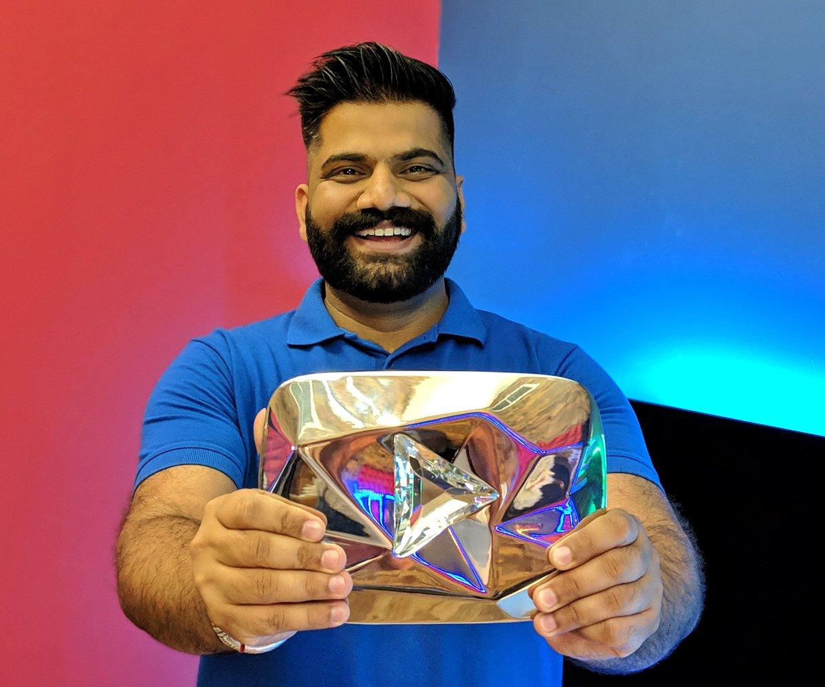 Technical Guruji with youtube button