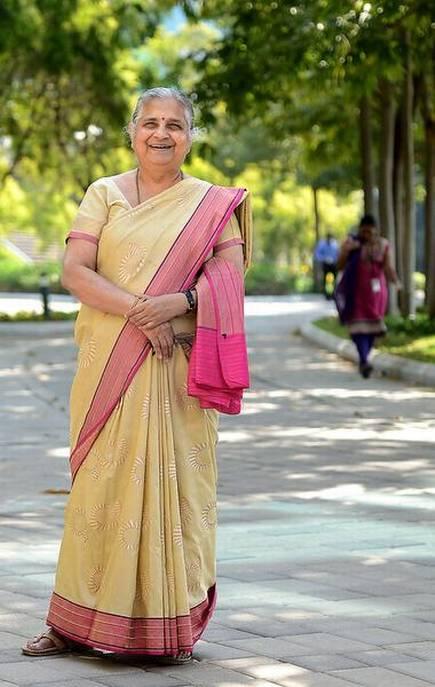 Sudha Murthy Body Measurements, Height, & Weight: