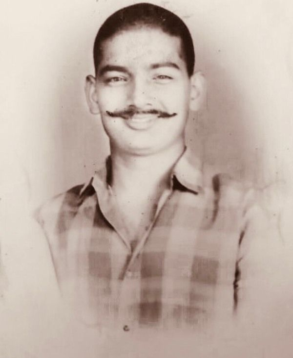 Kapil Sharma's Father :- Late Jeetendra Kumar(worked as head constable in Punjab police)