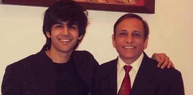 Kartik-Aryan-with-his-father