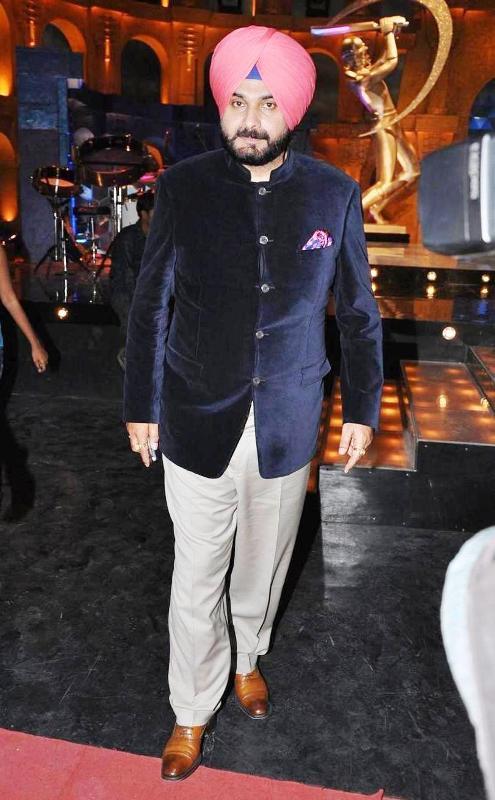 Navjot Singh Sidhu Body Measurements, Height, & Weight: