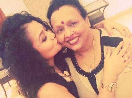 Neha-Kakkar Mother :-Niti Kakkar