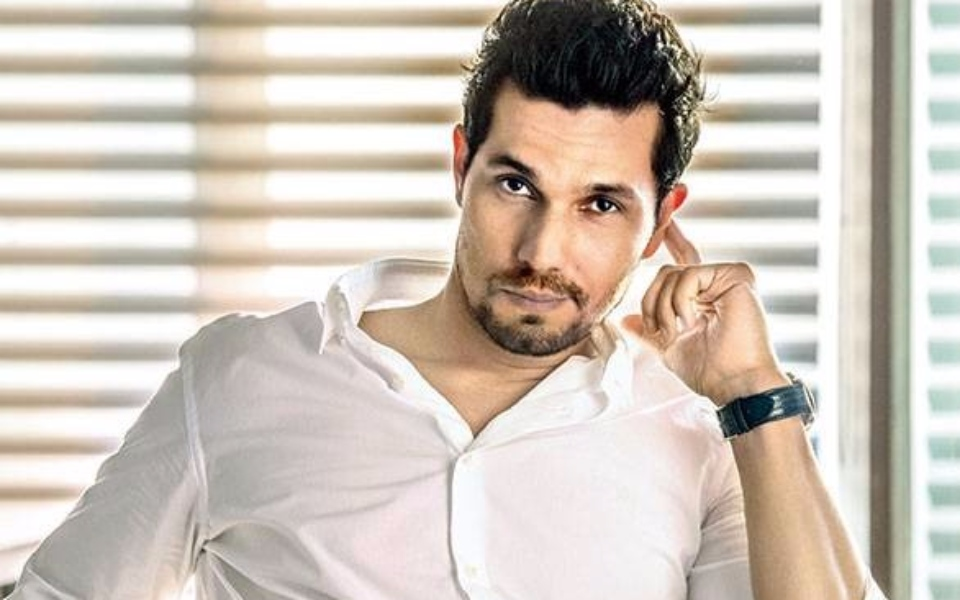 Randeep Hooda image in white shirt