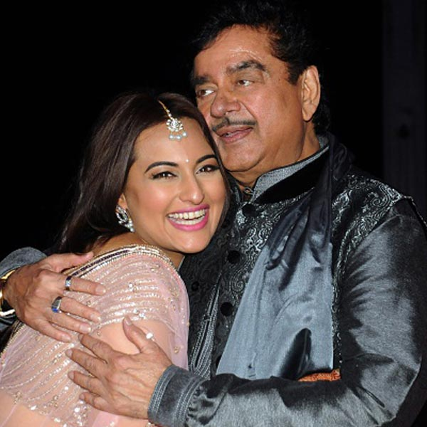 Sonakshi Sinha Father :-Shatrughan Sinha( Former Bolywood Actor & Politician)
