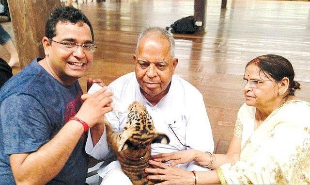 Father :-Sulom Prakash Sharma Mother :- Asha Sharma