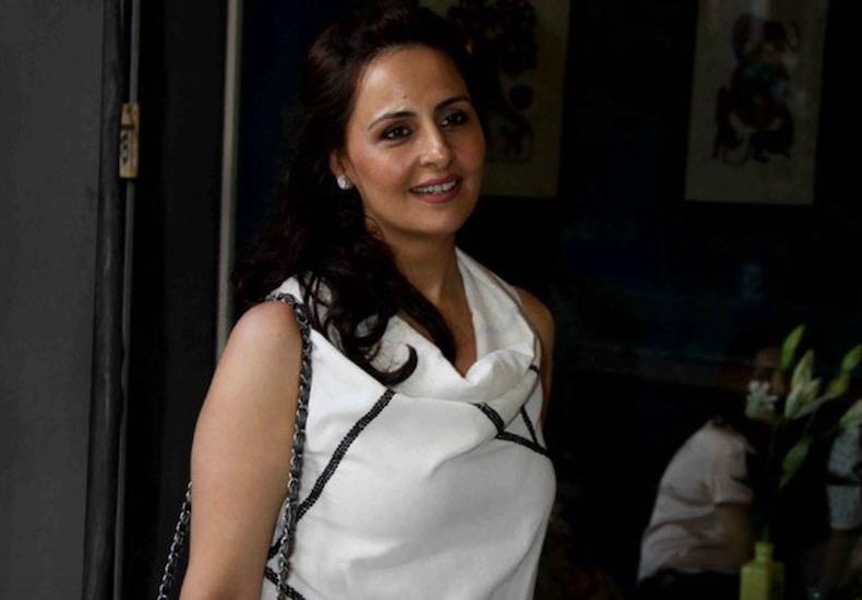 Sister (s) :-Alka Bhatia