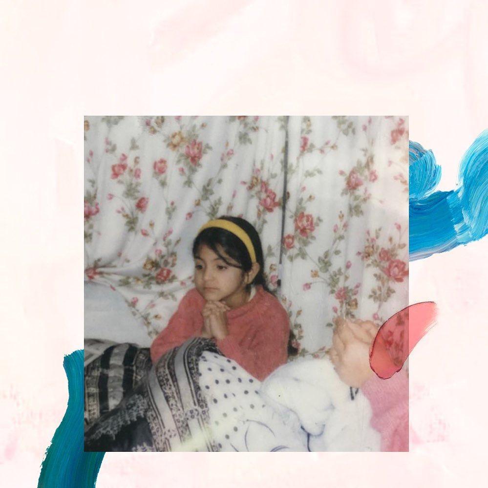 childhood-photo-of-bollywood-actress-anushka-sharma-little-me