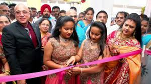 Lalitha Jewellery Owner, Kiran Kumar with his family