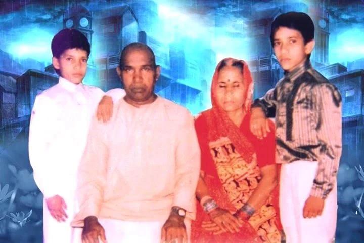 Father :-Kumar Yadav Mother :- Chandra Jyoti Devi