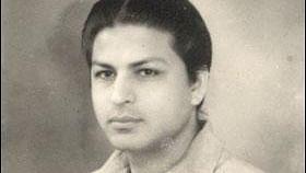 Shahrukh Khan Father :-Late Taj Mohammad Khan (Businessman)