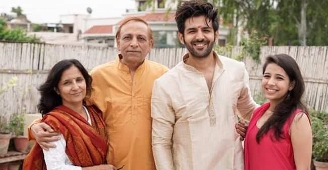 Kartik Aryaan with family