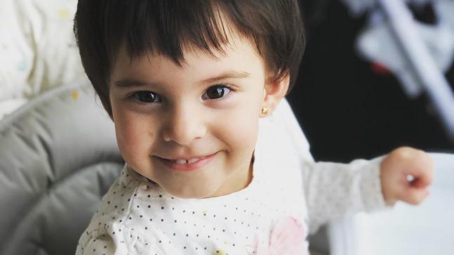 Daughter (s) :- Roohi (Surrogate)