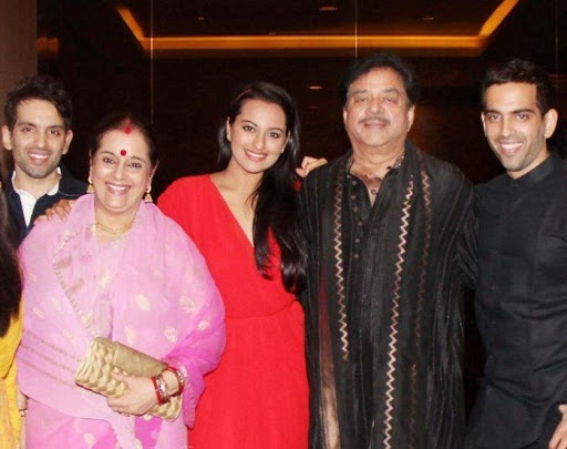 Sonakshi Sinha Friends, Family, And Relatives :