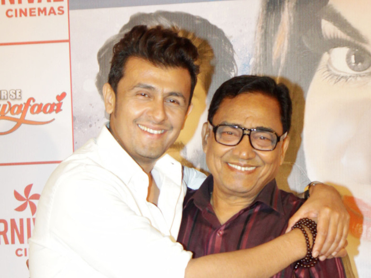 Sonu-Nigam-with-her-father