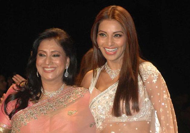 Bipasha Basu Mother :-Mamta Basu (homemaker)