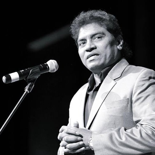 Johnny Lever on mic
