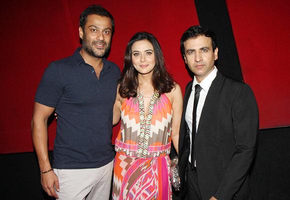 Preity-Zinta-With-Brother