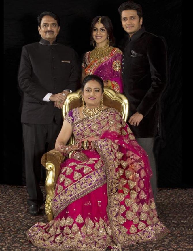 Riteish Deshmukh Family: