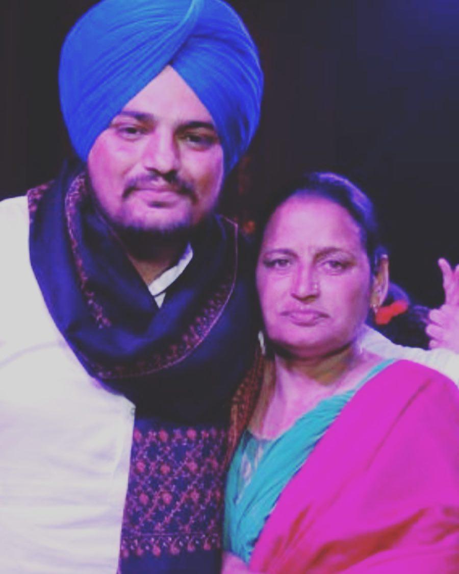 Sidhu-Moosewala-mother