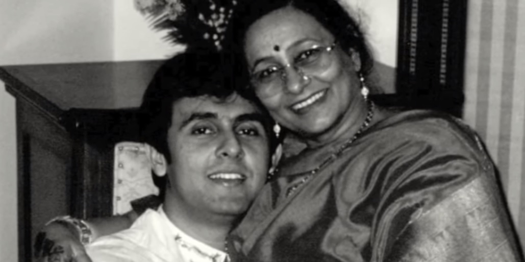 Sonu-Nigam-with-her-mother