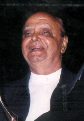 Vidhu Vinod Chopra Brother (s) :-Ramanand Sagar