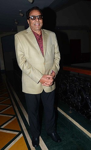 dharmendra Body Measurements, Height, & Weight: