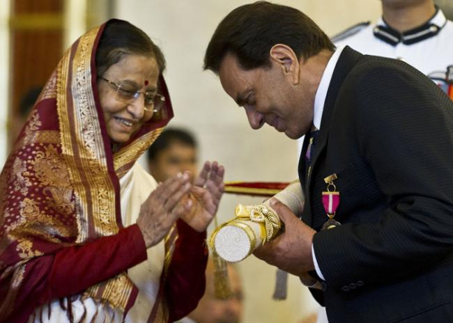 dharmendra Awards and Achievements: