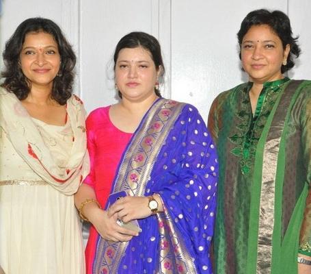 mahesh-babu-sisters Sister (s) :-Padmavathi (Elder) | Manjula (Elder) | Priyadarsini (Younger)