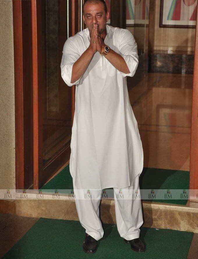 sanjay dutt Body Measurements, Height, & Weight:
