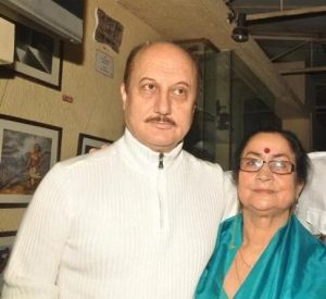 Anupam Kher's Mother :-Dulari Kher (Homemaker)