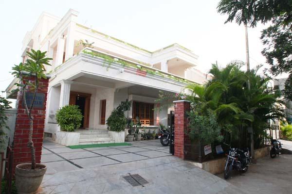 Brahmanandam House/Living: