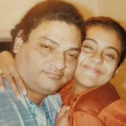 Kajol Devgn and his father Late Shomu Mukherjee (Filmmaker)