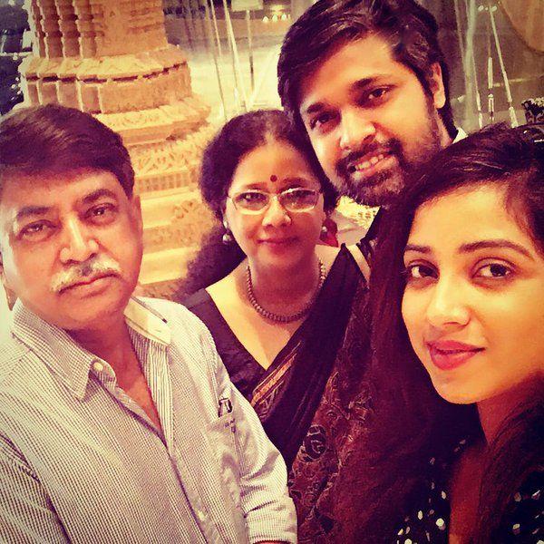 Shreya Ghoshal with Family:
