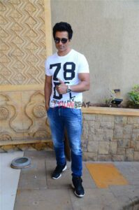 Sonu Sood's Body Measurements, Height, & Weight: