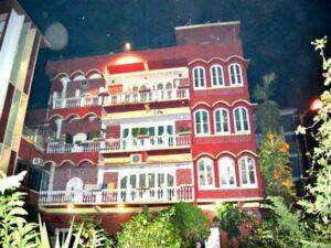 Sourav Ganguly's House/Living: