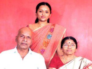 Suma Kanakala's father and mother