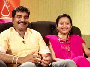 Suma Kanakala with her husband