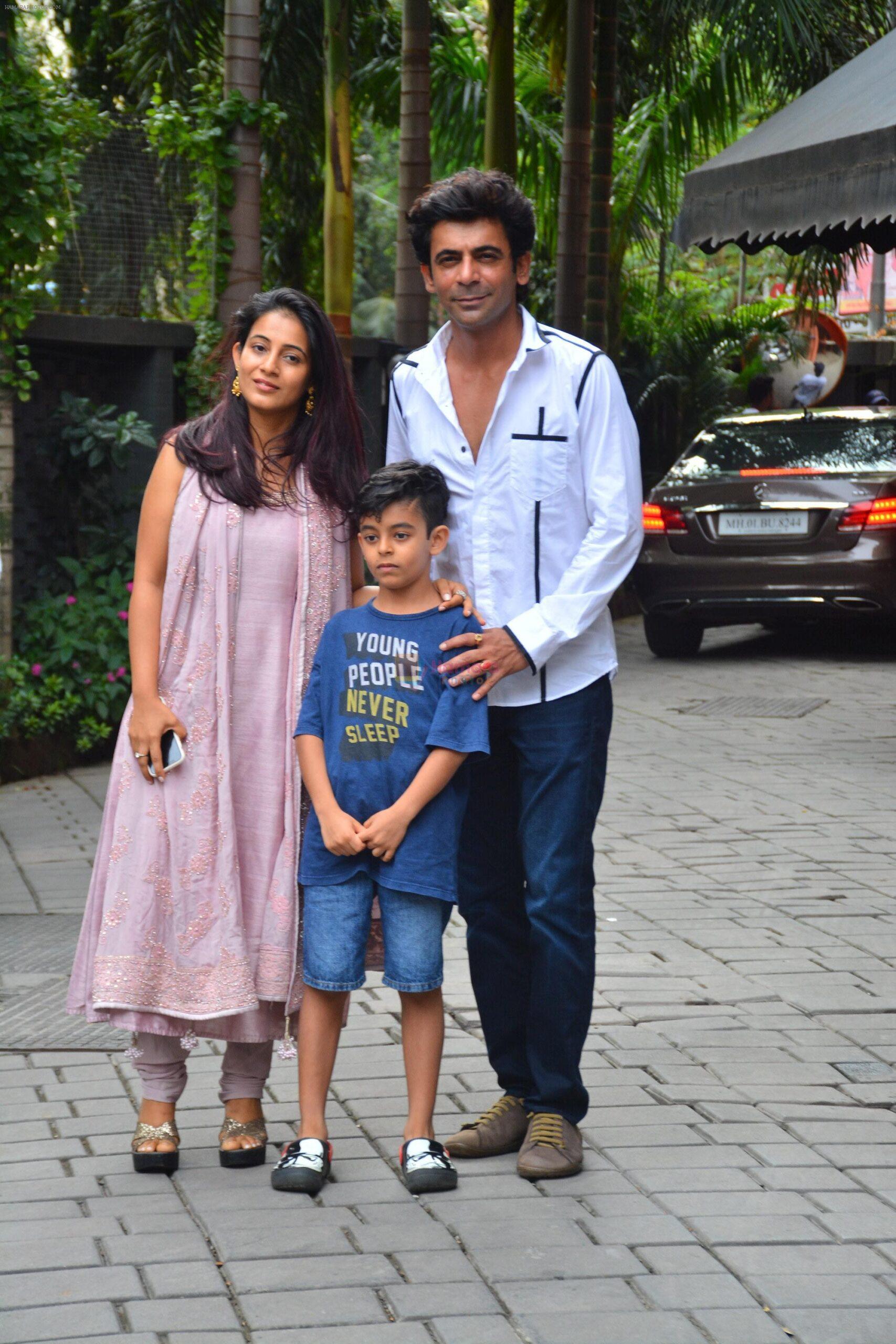 Sunil Grover Family: