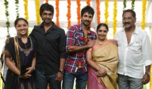 Aadhi Pinisetty's family
