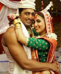 Actor Dev's wife