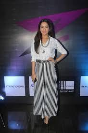 Asha Negi's Height