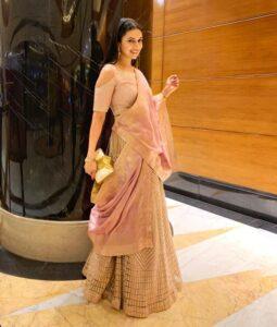 Divyanka Tripathi's Body Measurements, Height, & Weight: