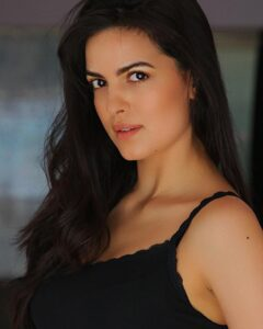 Know more about Natasa Stankovic: