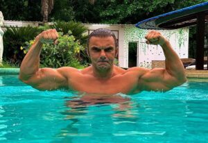 Sohail Khan's  Image while showing abs