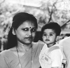 Shreyas Santosh Iyer Childhood Image with his mother